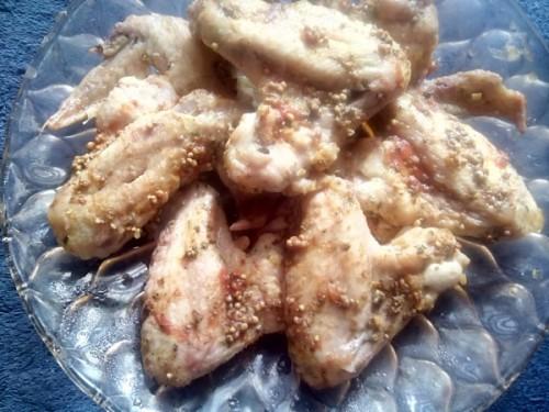 Куриные крылышки под горчично-томатным соусом