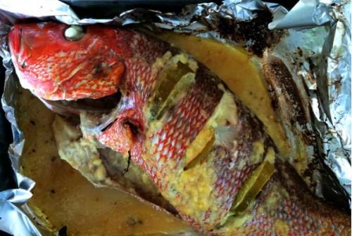 Печёная рыба в чесночно-лимонном маринаде