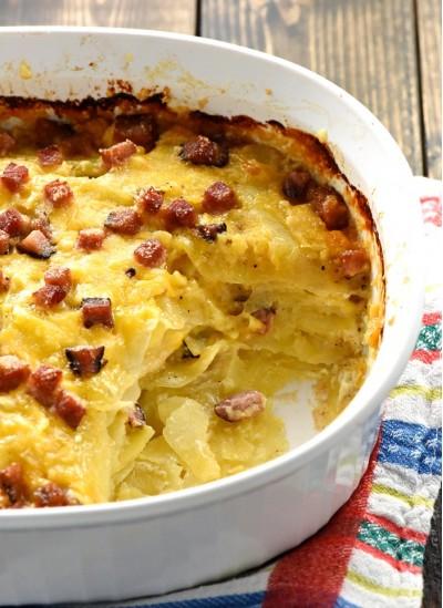 Картофель запечённый с сыром и ветчиной