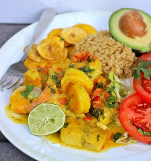 Рыба и креветки в кокосовом соусе
