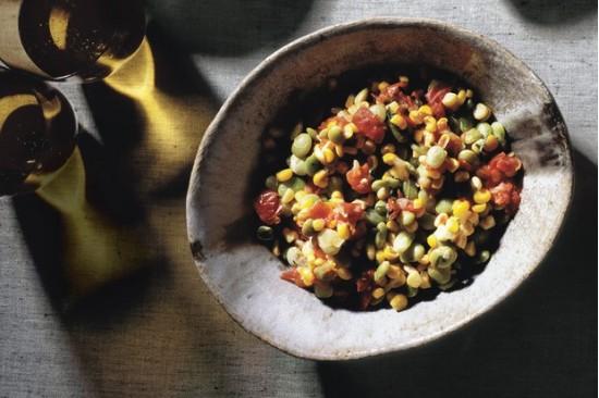 Суккоташ из свежей кукурузы, бобов лима и помидоров