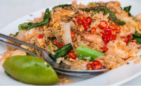 Кхау Пхат - жареный рис с креветками