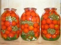 Рецепт вкусных консервированных помидоров с виноградом
