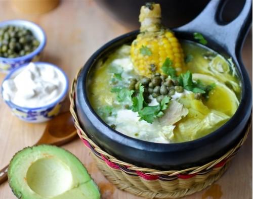 Ахиако - колумбийский картофельно-куриный суп