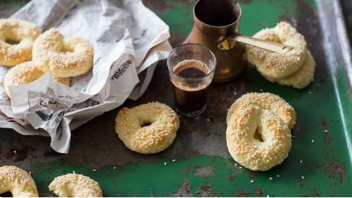 Ливанский хлеб Каек с кунжутом